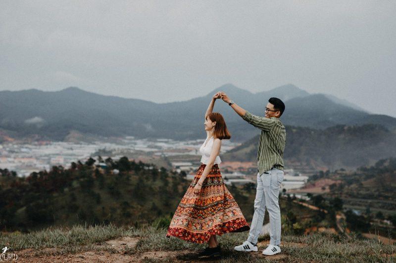 Kết quả hình ảnh cho cặp đôi trên đồi